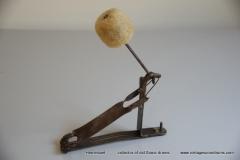 003 Sonor voetpedaal 646-11 Cyklope ijzer 1927-1950 (2)