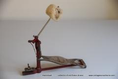 007 Sonor voetpedaal 646-10 Stabil nikkel-rood 1927-1931 (1)